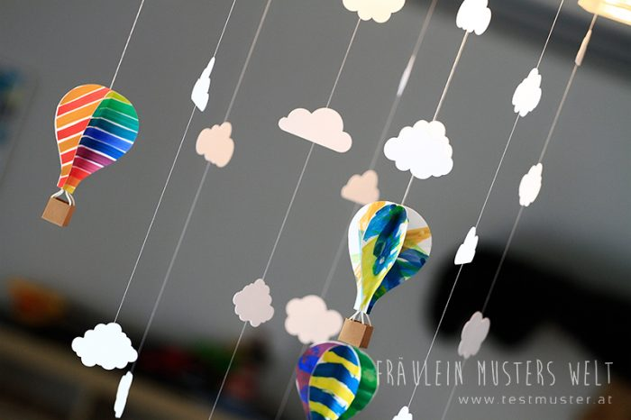 diy papier mobile hei luftballon fr ulein musters welt. Black Bedroom Furniture Sets. Home Design Ideas